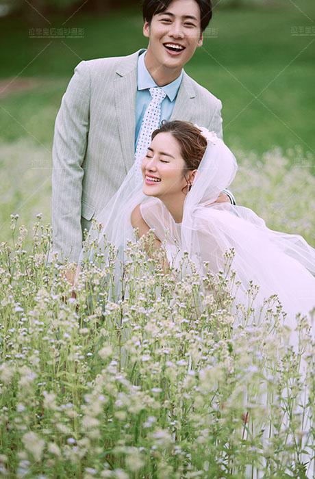 【拉菲皇后婚纱摄影】草坪